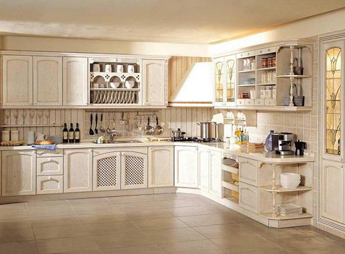 Khi sử dụng tủ bếp phù hợp với không gian nội thất sẽ làm tăng thê độ nổi bật cho ngôi nhà