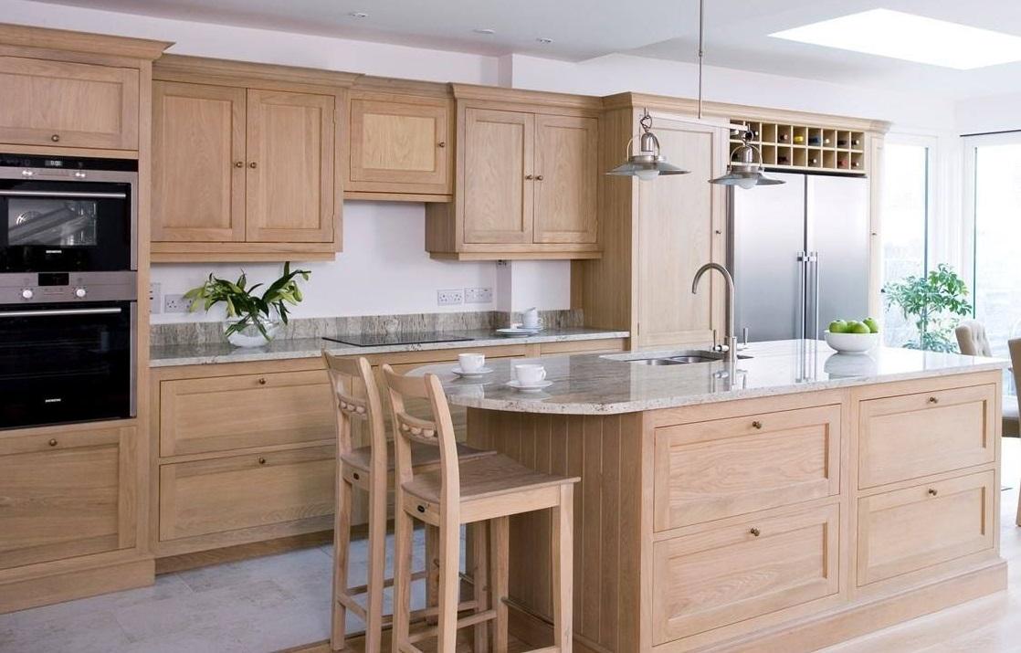 Mẫu tủ bếp gỗ màu sắc đơn giản