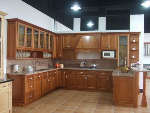 Mẫu tủ bếp gỗ hiện đại nhiều ngăn