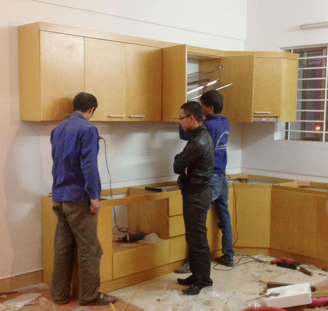 Lắp đặt thi công tủ bếp gỗ công nghiệp