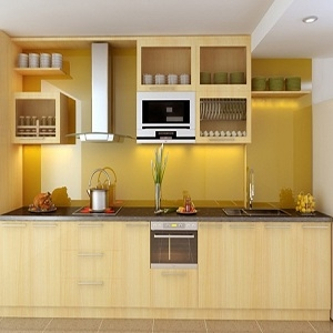 Mẫu tủ bếp gỗ màu vàng cho người mệnh Kim