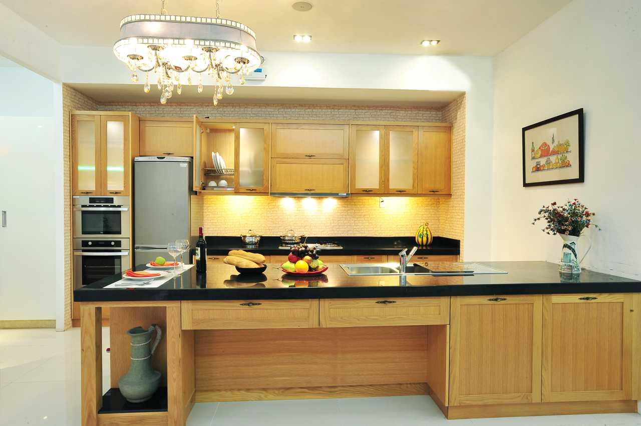 Trang trí tủ bếp gỗ hiện đại