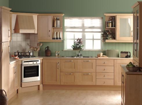 Tủ bếp gỗ xoan đào màu vàng nhạt